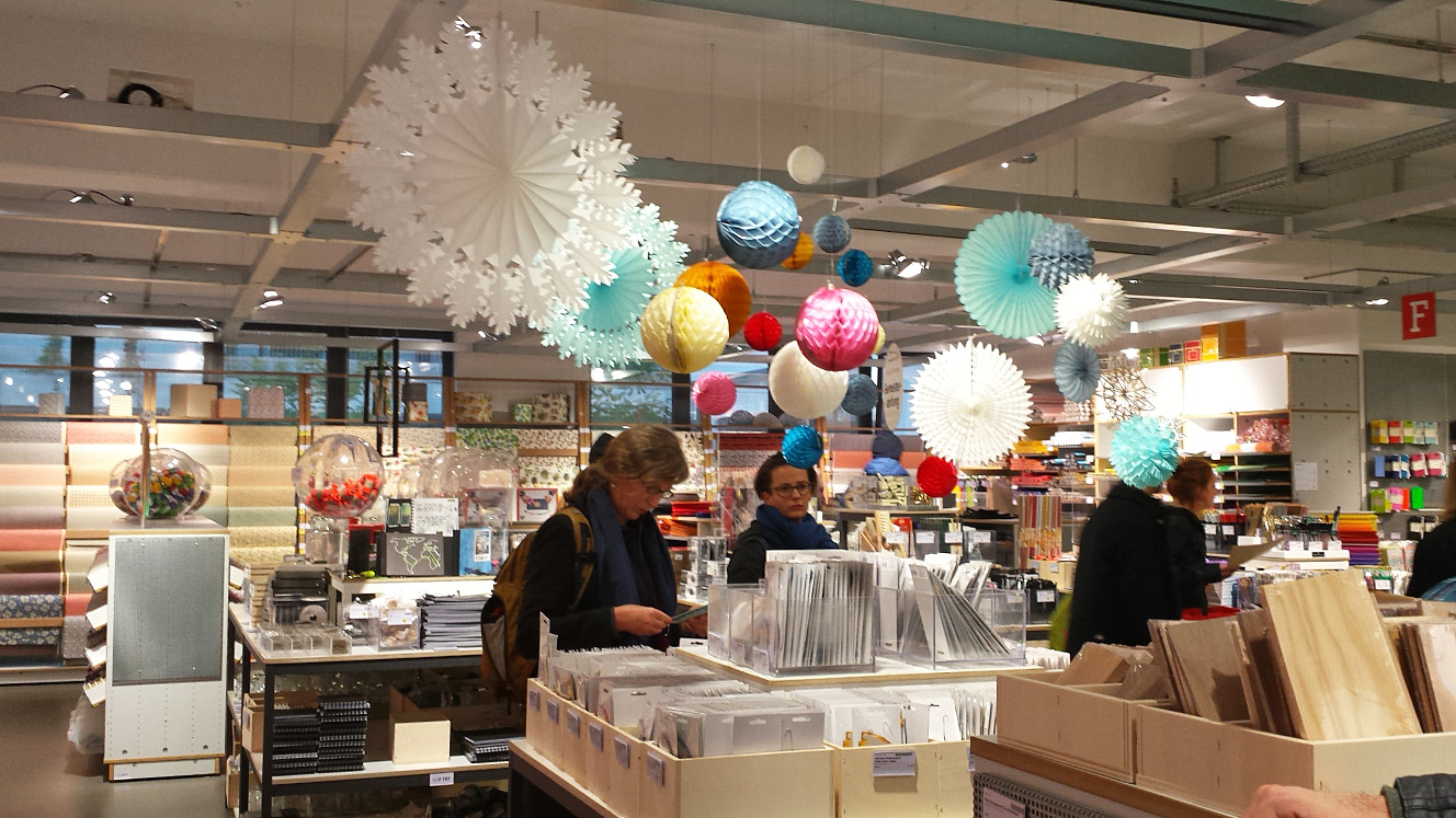 visiting craft supplies store modulor in berlin - crea bea cards